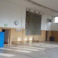 Blick in die leere Sporthalle des TPF